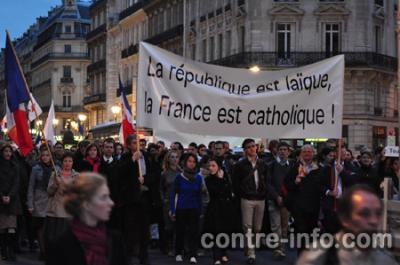 MARCHA CATOLICA Y NACIONALISTA EN PARIS